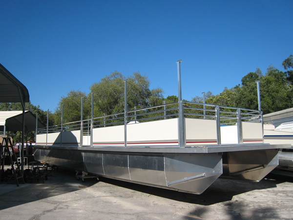 railing-system-commercial-catamaran